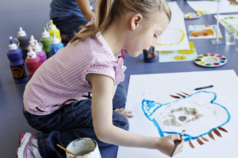 أفضل طريقة تعليم الطفل الرسم والتلوين بالصور 2019