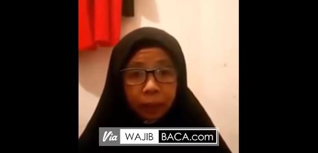 Pakai Hijab, Ibu Ini Beri