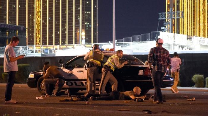 Dueños de hotel demandan a sobrevivientes de la masacre en Las Vegas