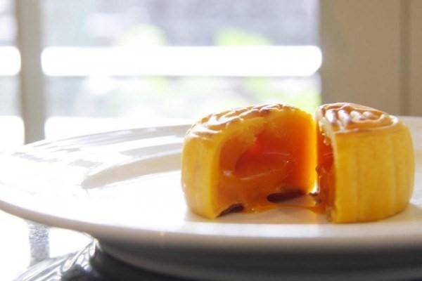 Bánh Trung thu nhân kim sa tan chảy được yêu thích ở châu Á