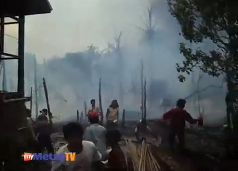 http://4.bp.blogspot.com/-wzzh5XPkykA/UAz0BvfjxMI/AAAAAAAABw0/UmW0e3-Tr78/s1600/Video+eksklusif+serangan+puak+Rakhine+di+Myanmar.jpg
