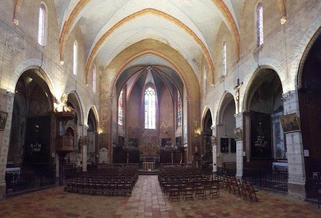 nave de La iglesia de San Miguel de Lagrasse