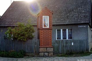 Kapliczka wnękowa w Lubiewie pow. tucholski, Bory Tucholskie