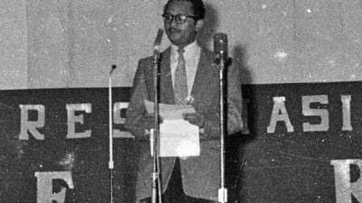 Lekra Vs Manikebu: Perdebatan Kebudayaan Indonesia 1950-1965