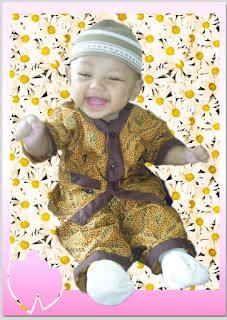 bayi imut tertawa