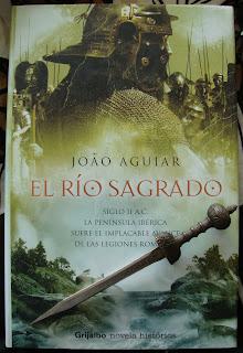 Portada del libro El río sagrado, de Joao Aguiar