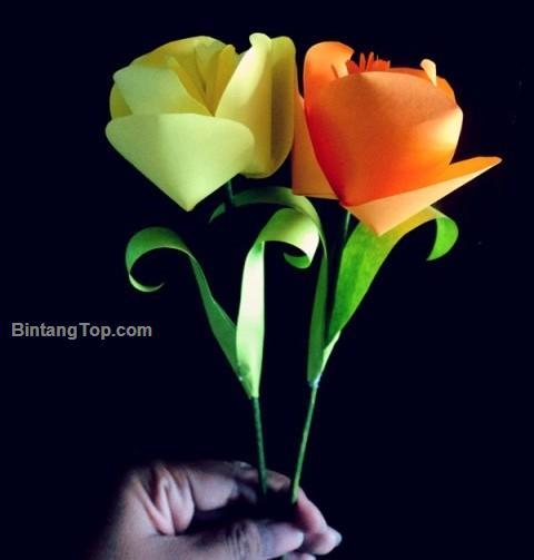 Gambar Cover membuat bunga dari kertas origami