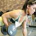 Exercícios para membros superiores com halteres pela atleta Andreia Brazier