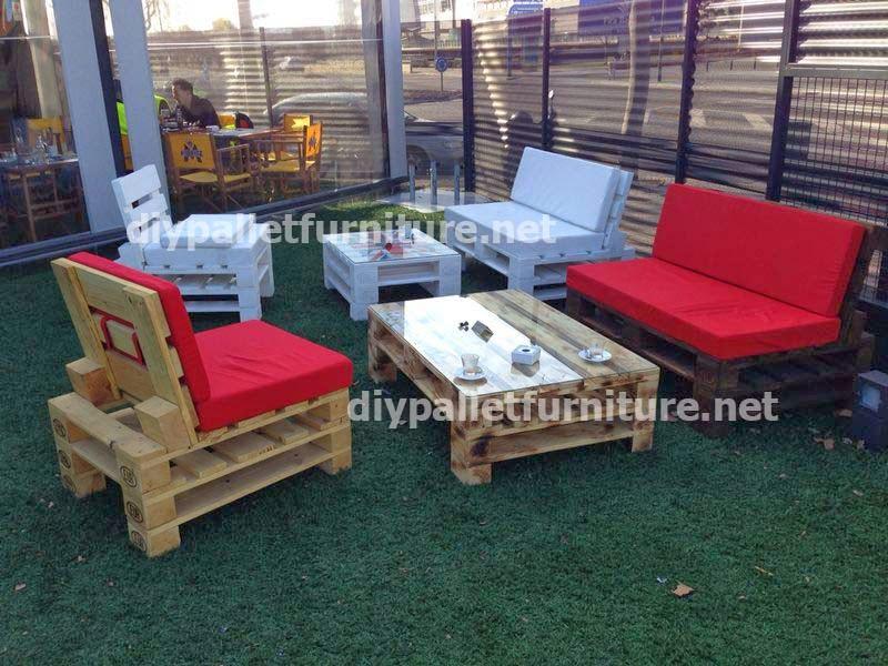 Fotos de muebles de jardin hechos con palets for Muebles jardin madera palet