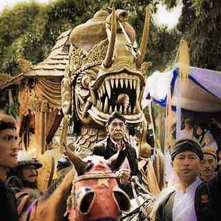 Kereta Naga Paksi in Sumedang Innovative Carnival 2016