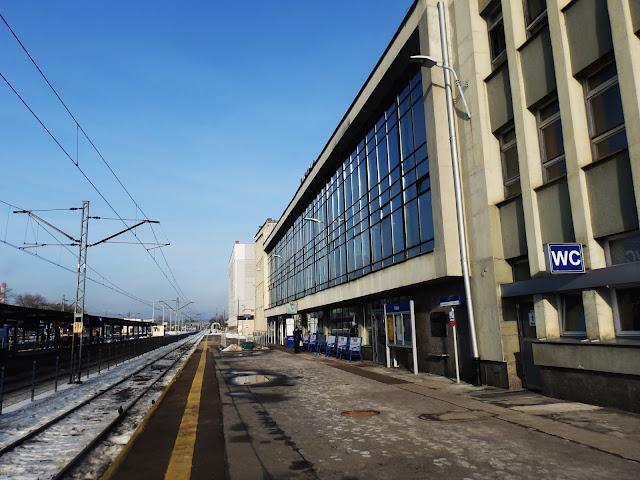 Dworzec kolejowy w Kielcach nie grzeszy nadzwyczajnością
