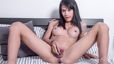 Ladyboy-ladyboy – Golf Cums For You!