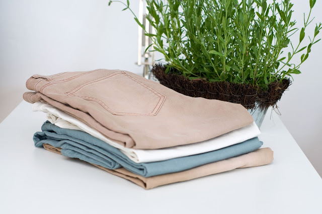 spodnie z H&M super stretch z bawełną i elastanem