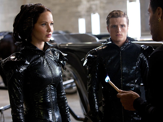 Katniss and Peeta The Hunger Games 2012 movieloversreviews.filminspector.com