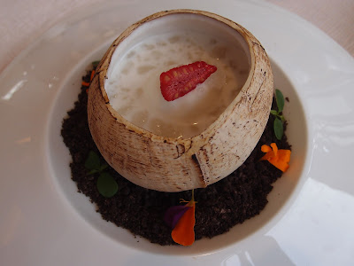 杏汁雪蛤椰子盅