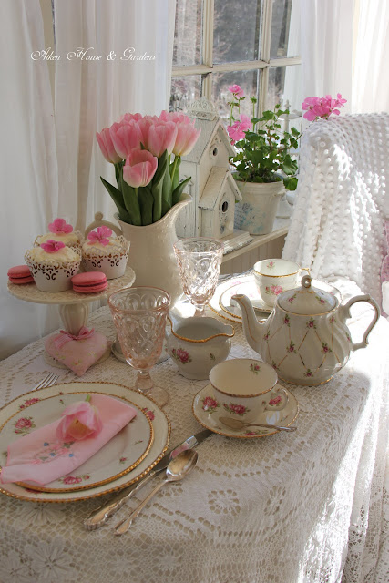 Touches Of Pink Tablescape
