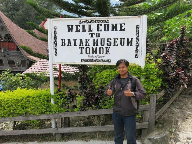 Museum Tomok Medan Papan Nama