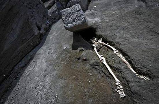 Homem 'mais azarado do mundo' é encontrado em Pompeia - Img 1