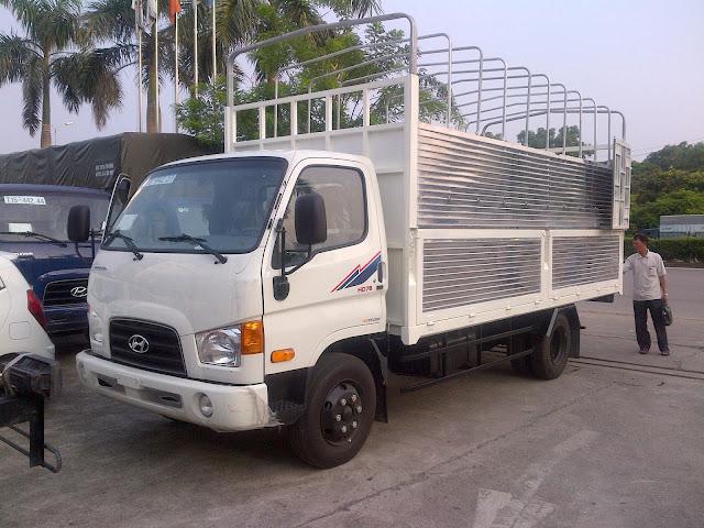 Xe tải Hyundai hd78 4.5 tấn thùng bạt