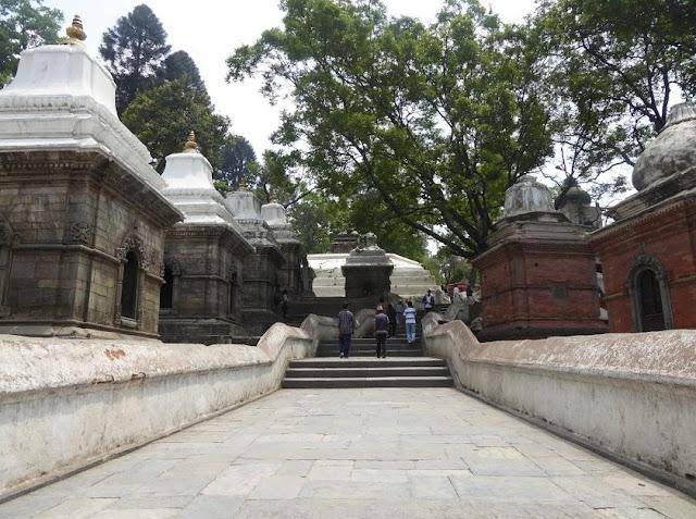 area dei templi a pashupatinath