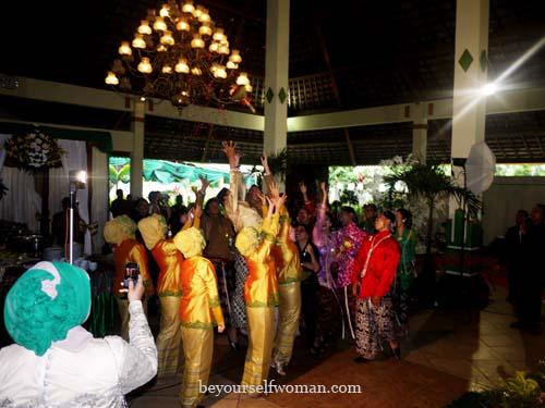 Mix And Match Tas Pesta Wanita Di Acara Pernikahan