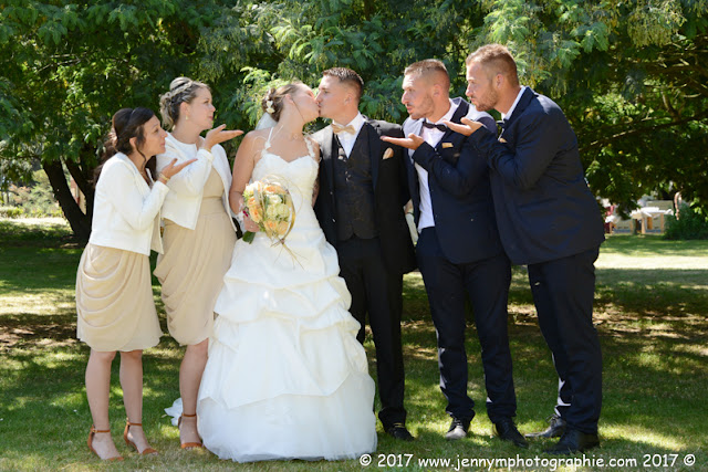 photo de groupes mariés avec témoins