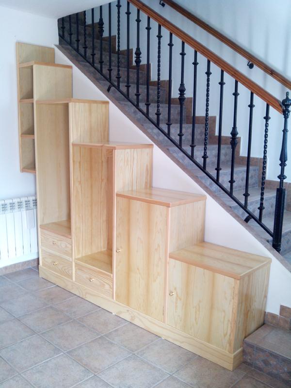 Mueble a medida en diferentes alturas al lado de escalera muebles cansado zaragoza - Muebles a medida en zaragoza ...