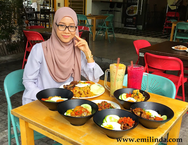 Juadah IndoMie di IndoBowl Cafe, Lake Fields Sungai Besi
