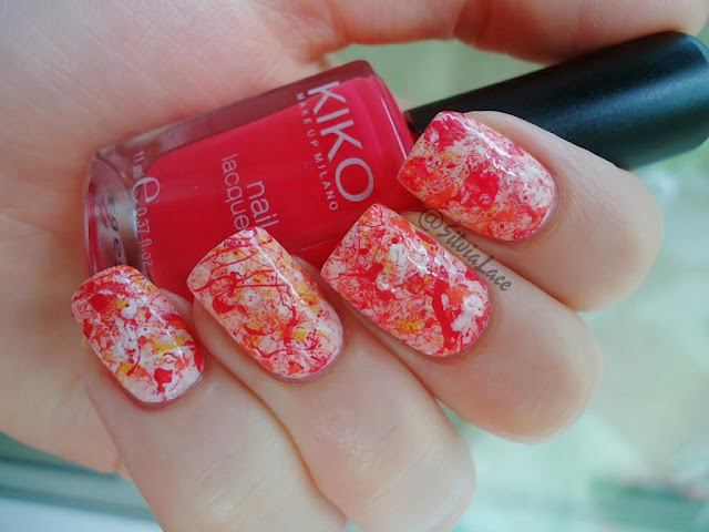 Silvia Lace Nails: Raspberry splatter nails