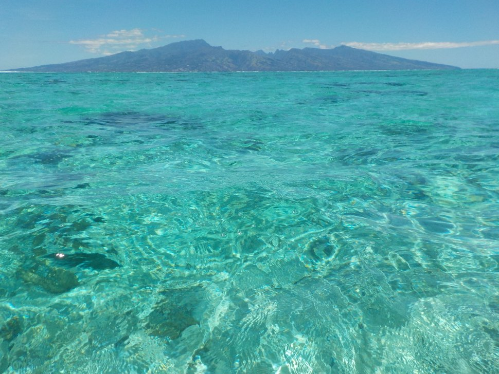 Lagon de Moorea - Vue sur Tahiti