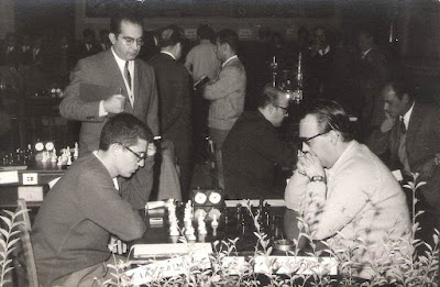 Partida de Ponce en el VIII Campeonato de Ajedrez de Educación y Descanso 1956