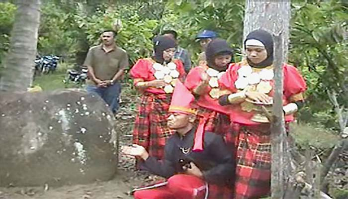 Tari Toerang Batu, Tarian Tradisional Dari Provinsi Sulawesi Barat