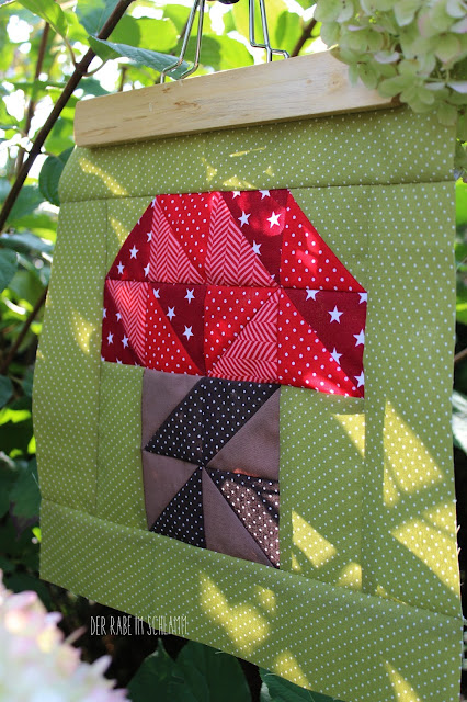 Der Rabe im Schlamm, Quiltblock, Woodland Mushroom, Patchwork, Quilt, Fall Block Party, fabricdotcomblockparty