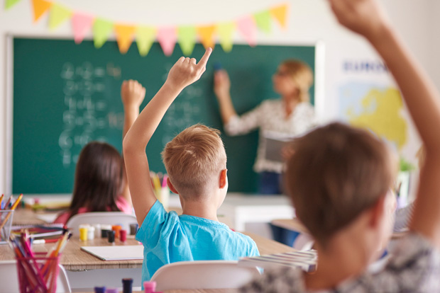 Cara Agar Anak Jadi Pintar di Sekolah Meskipun Sering Main Game