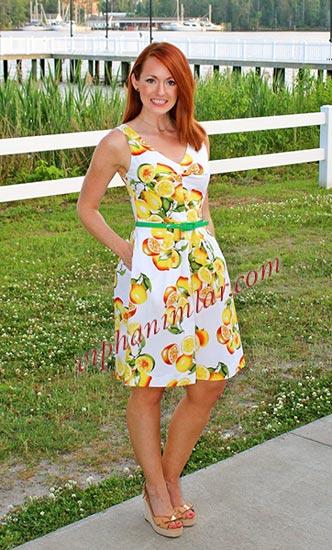Egzotik meyve baskılı askılı elbise - www.viphanimlar.com
