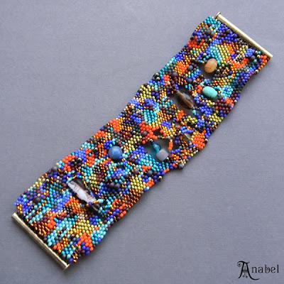"""Фриформ-браслет """"Красочный мир"""". Необычное украшение из бисера"""