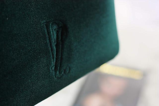 pochette-velour-verte