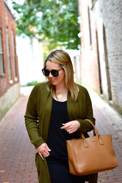 olive-green-sweater-outfit