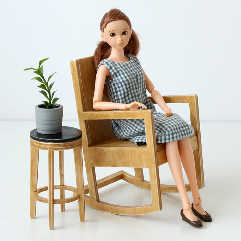 one sixth scale rocking chair for Momoko dolls