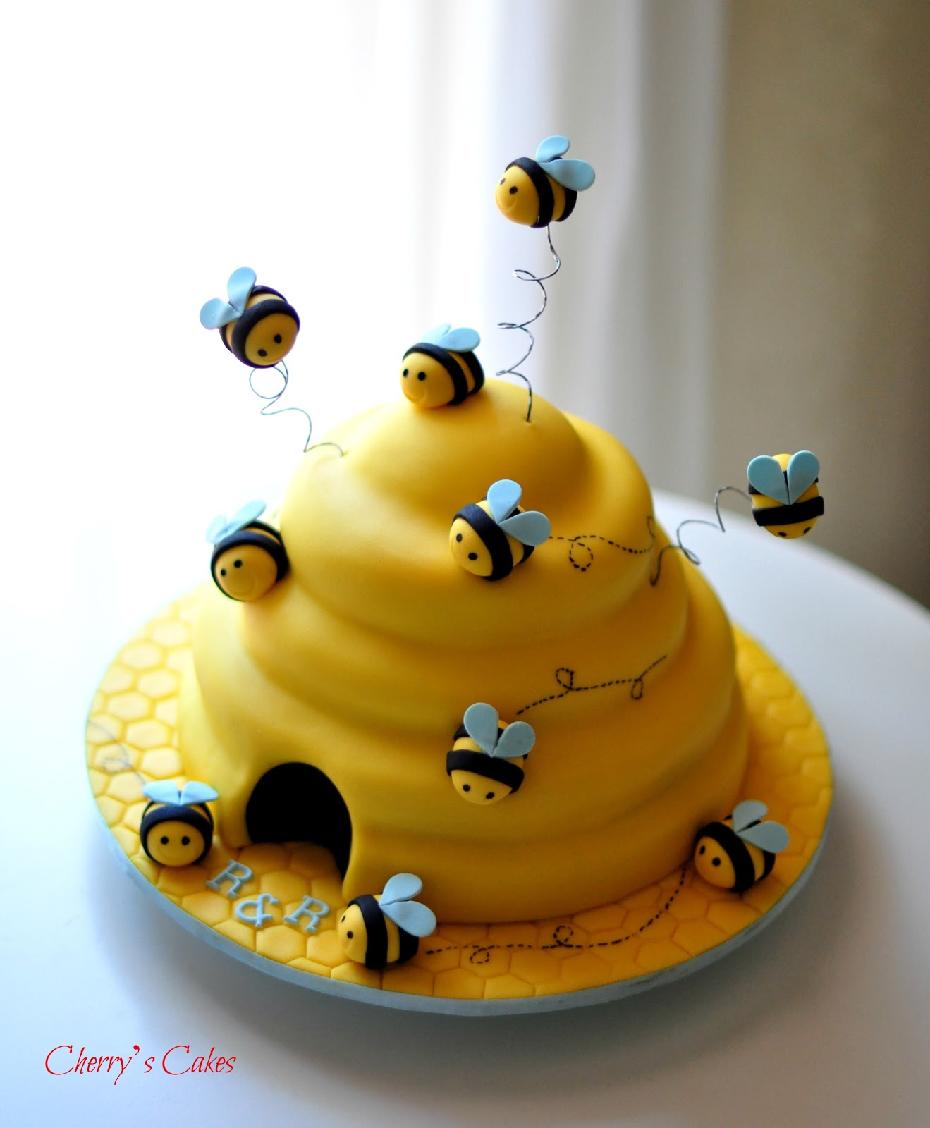 Cherry S Cakes Happy Bee Rthday