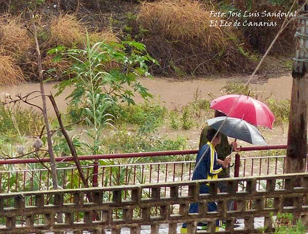 Advierten de inundaciones en Canarias