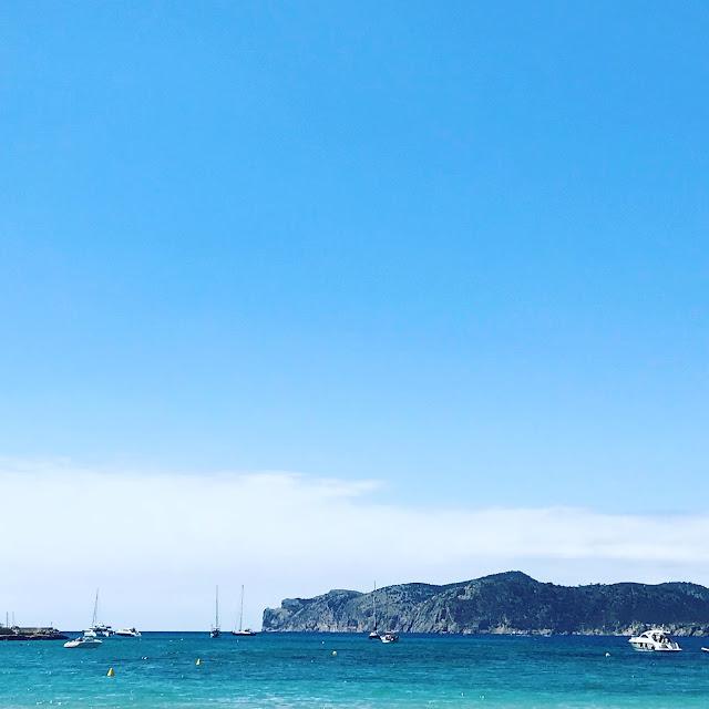 Santa Ponsa Bay In Majorca, cliffs, sea, boats