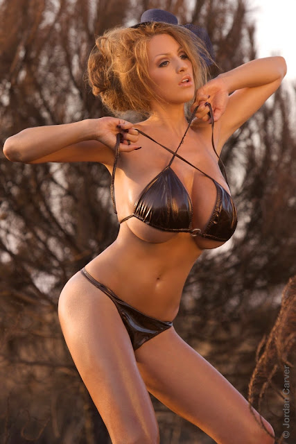 Jordan-Carver-Scorched-HD-photoshoot-and-sexy-hot-picture-4