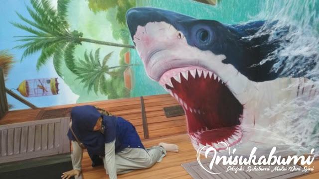 Mau dimakan paus, Rumah Fantasi Sukabumi