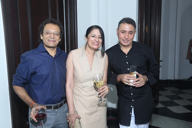 Guests with Vivek Sahni (Right)