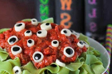 Easy Eyeball Pasta For Halloween Dinner