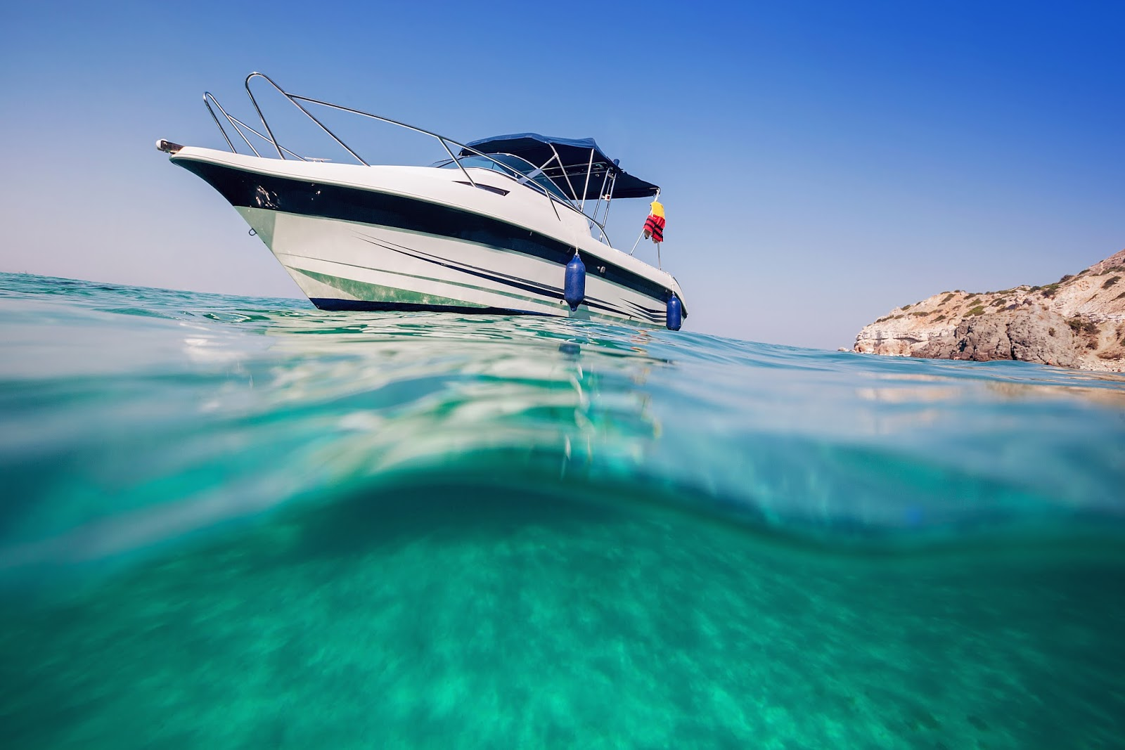 Saltwater Fishing Boats | Water Activities in Qatar