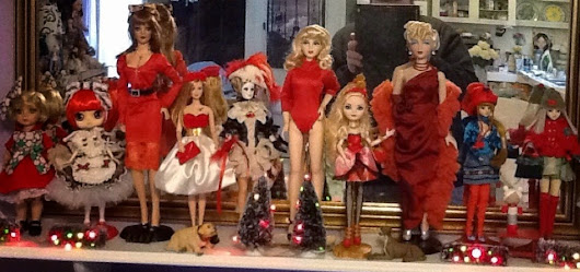 Christmas Decorating with Dolls