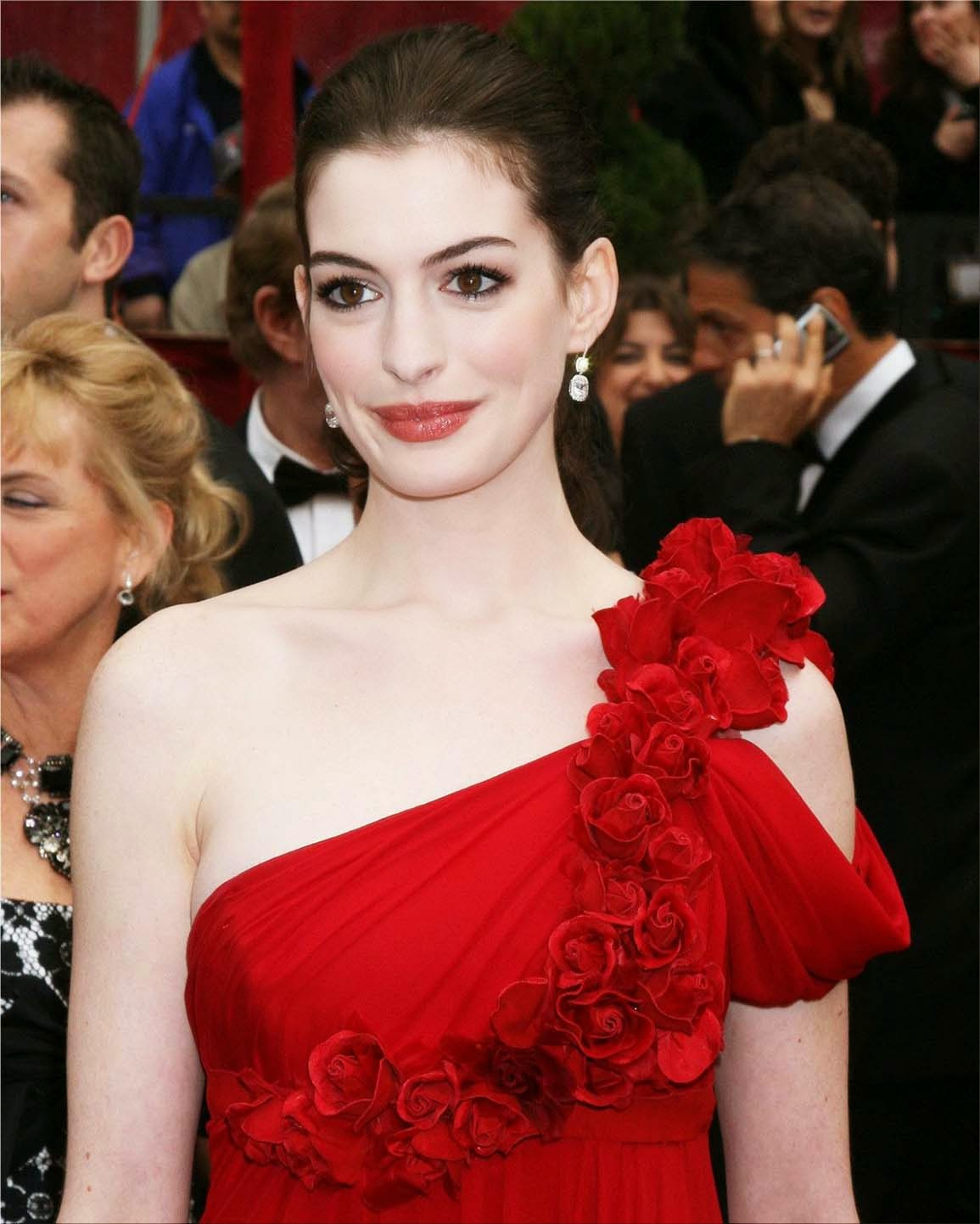 American Actress Anne Jacqueline Hathaway Image And Photo
