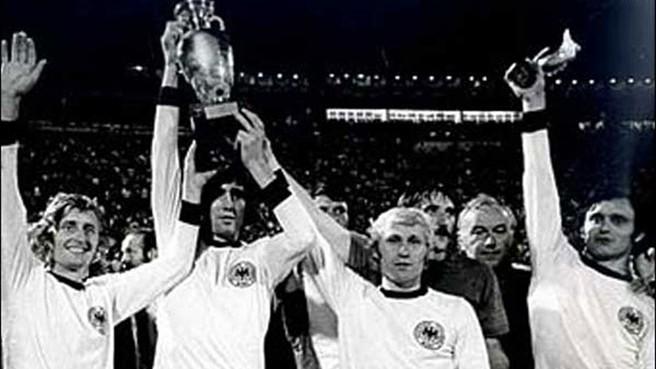 Hasil gambar untuk cekoslowakia football 1974
